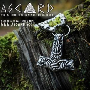 Wikingerschmuck bei Asgard)